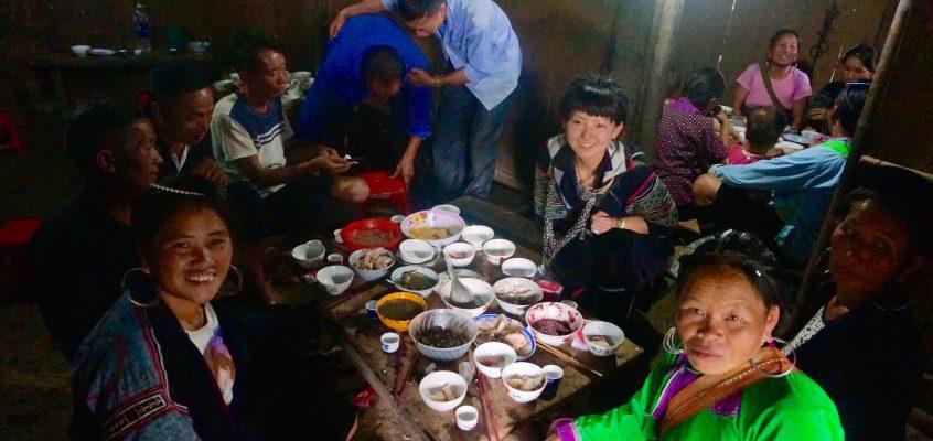 ベトナム・サパに住んでいる 黒モン族の家にホームステイ ②