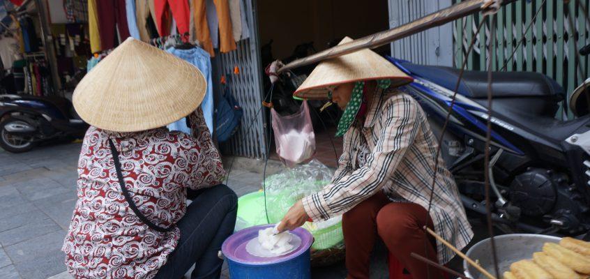 ハノイで食べるローカルな ベトナム料理 のお店を選ぶコツ5つ