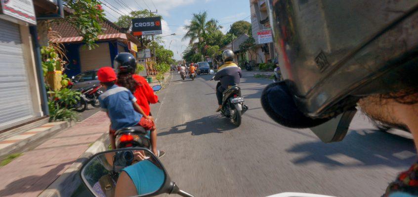 ウブドから ぷらっとバイク旅 !キンタマーニまでの長い道のり①